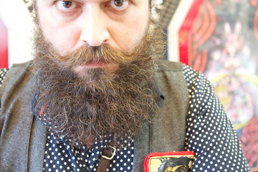 pelin avere la barba